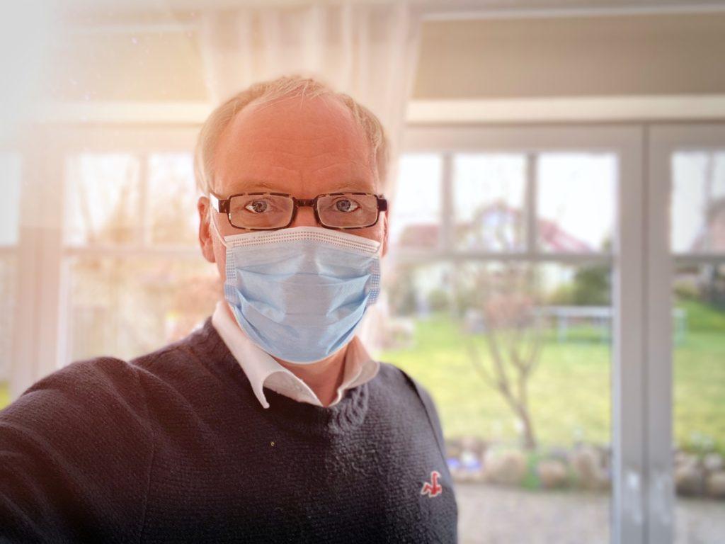 Port du masque : 5 astuces pour éviter la buée sur les lunettes
